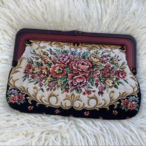 ✨🌸💖 Floral Carpet Vintage Clutch 💖🌸✨